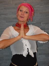 Barbara Weinzierl – Sex, Geld und Erleuchtung - Rolle der schwäbischen Yogalehrerin